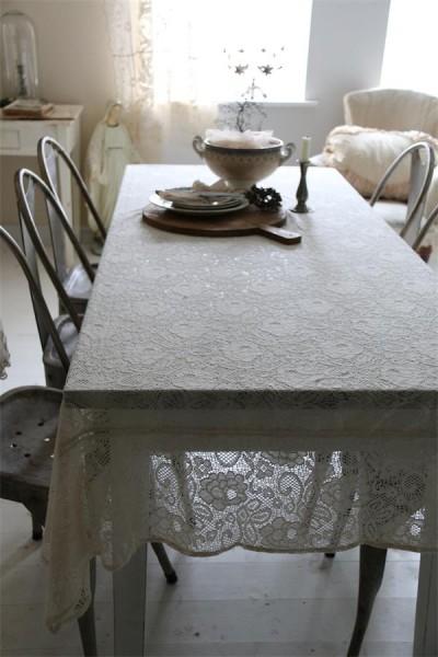 Tischdecke aus Spitze
