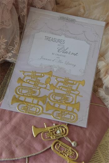 Bogen mit goldenen Instrumenten