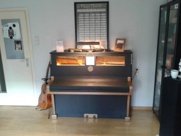 Klavier Restauration Vorher - Nachher