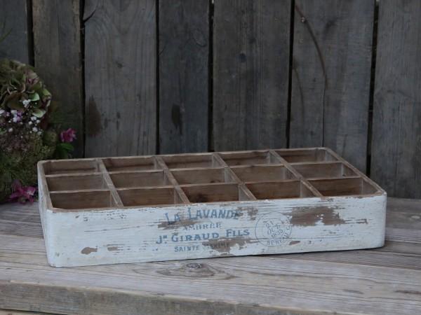 Franz. Aufbewahrung aus Holz