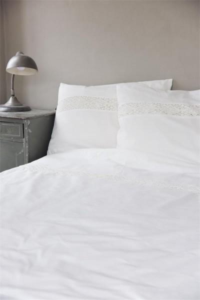 Bettwäsche mit Spitzeneinsatz