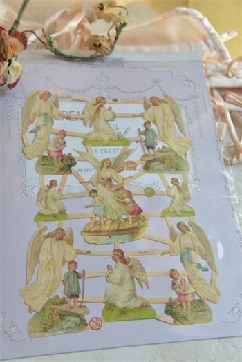 Scrap mit wunderschönen Engelmotiven