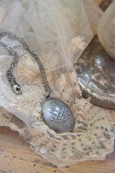 Medallion antik silber