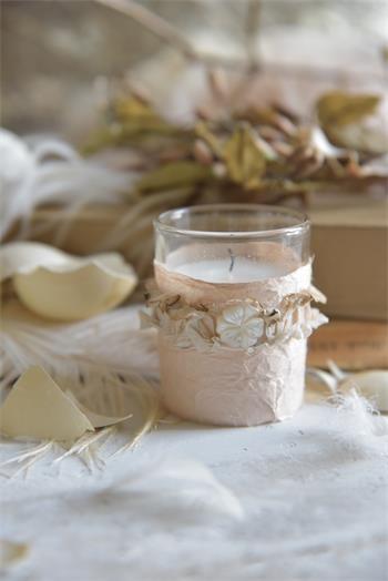 Kerze im Glas mit lieblicher Deko - Vanille Dream -
