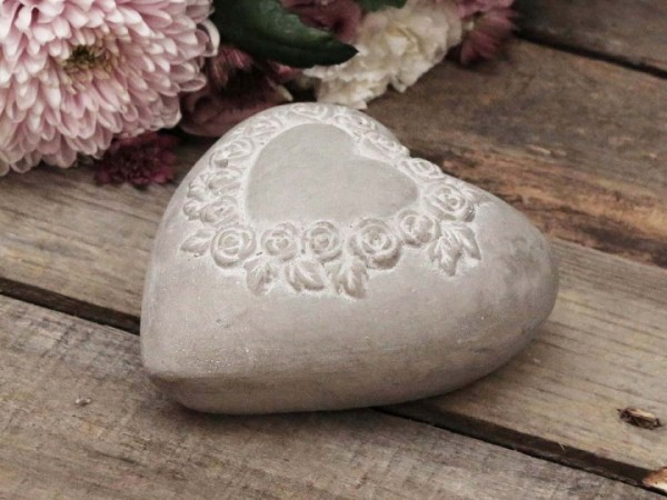 Herz mit Rosendekor