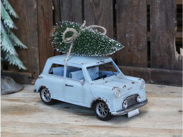 Vintage Auto mit Weihnachtsbaum