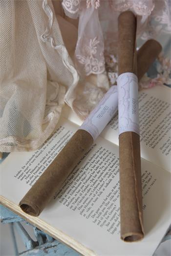 Bogen handgeschöpftes Papier braun